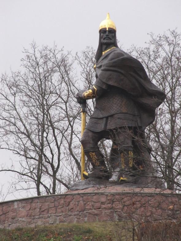 Памятник древлянскому князю Малу в городе Коростень